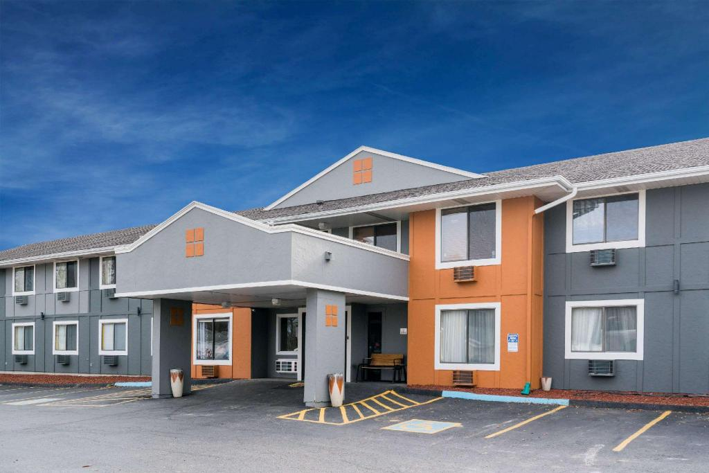 Best Price On Super 8 By Wyndham Rochester Mayo Clinic Area In Rochester  Mn    Reviews