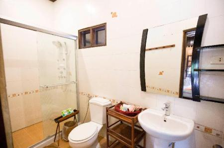 Deluxe Double Balcony Room - View Villa Ban Lakkham
