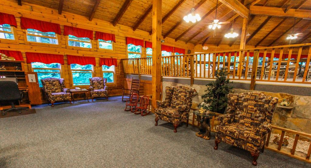Facilities Smoketree Lodge by VRI Resort