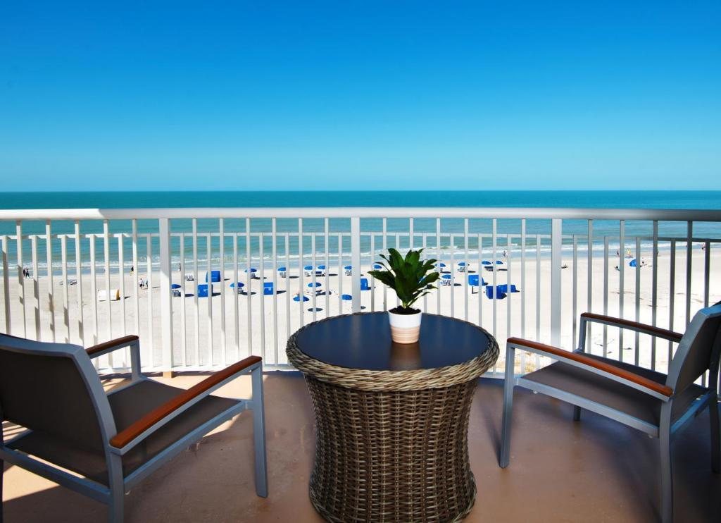 Vista exterior Beach House Suites by the Don CeSar