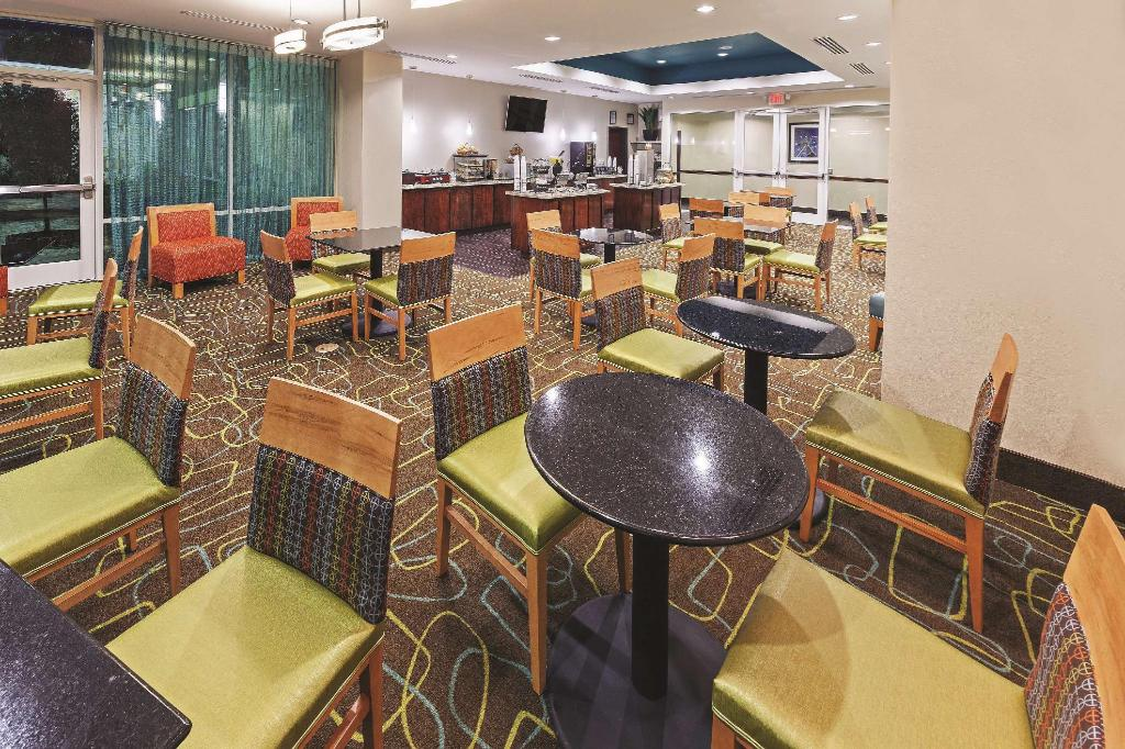 Ver as 6 fotos La Quinta Inn and Suites Houston Willowbrook