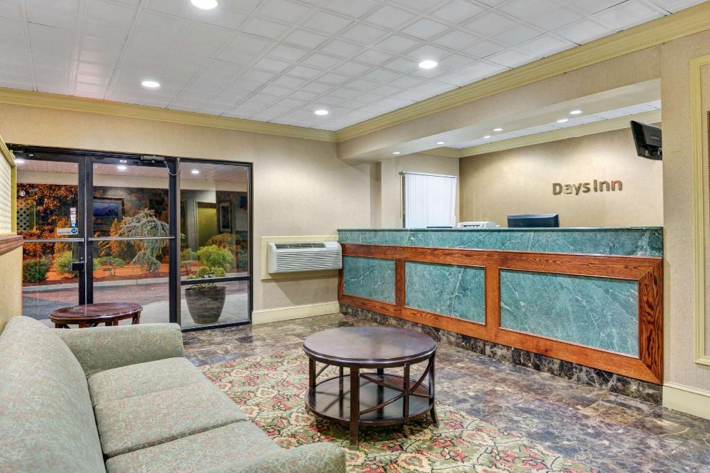 Lobi Days Inn by Wyndham Absecon-Atlantic City