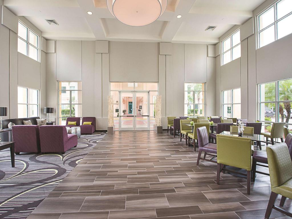 Lobby La Quinta Inn & Suites Plantation at Southwest 6th Street