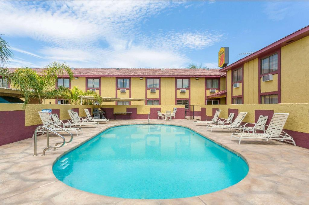 utomhuspool Super 8 By Wyndham Goodyear/Phoenix Area