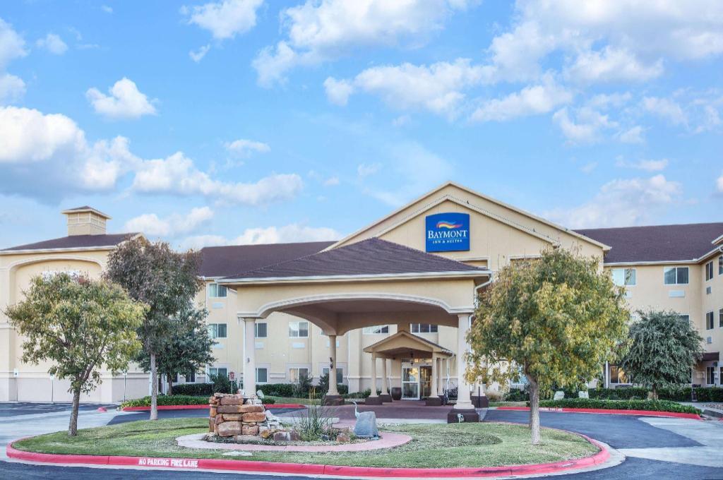 Baymont by Wyndham Lubbock West in Lubbock (TX) - Room Deals