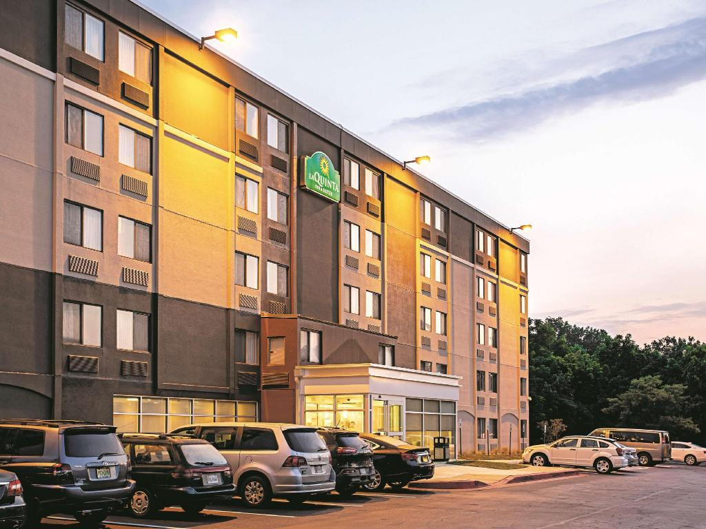 La Quinta Inn & Suites Baltimore North/White Marsh