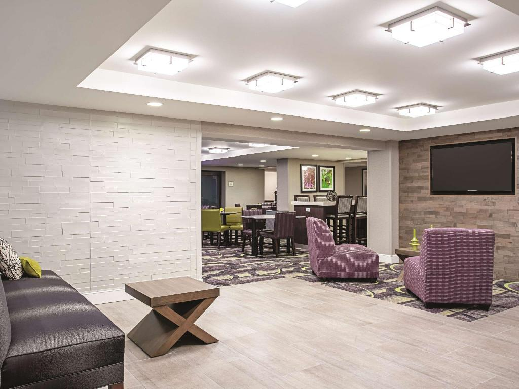 Lobby La Quinta Inn & Suites Baltimore North/White Marsh
