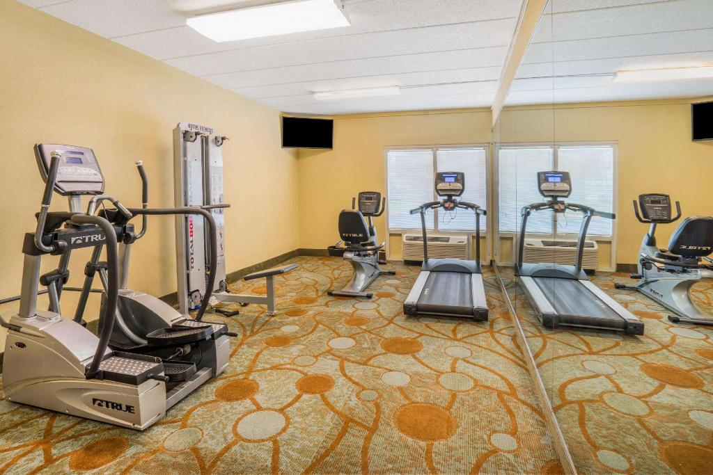 gym Baymont by Wyndham Warrenton