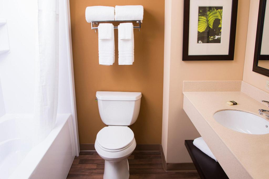 Baño Extended Stay America Buffalo Amherst