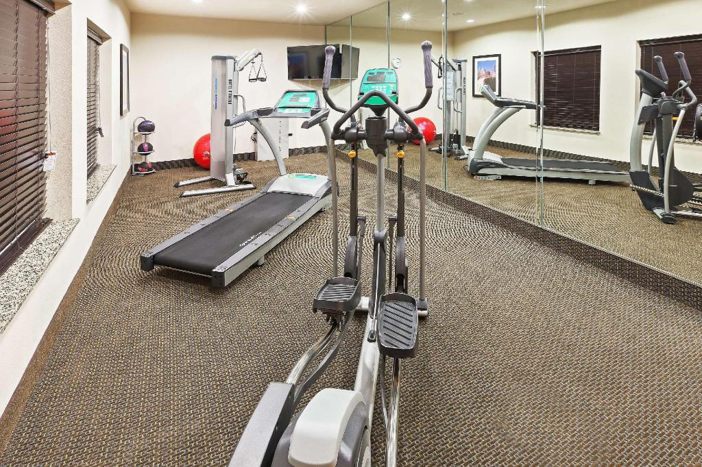 gym La Quinta Inn & Suites Pearsall