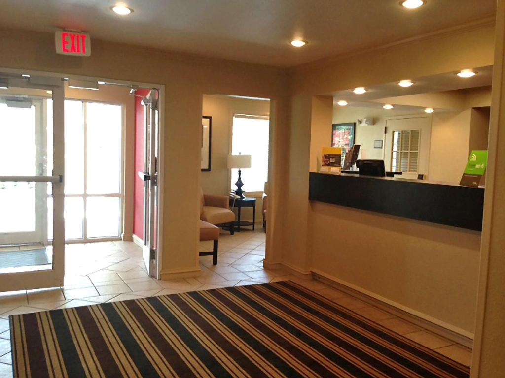 Lobby Extended Stay America Boston Marlborough