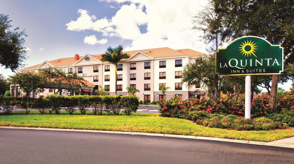 Mer om La Quinta Inn and Suites Bonita Springs Naples North