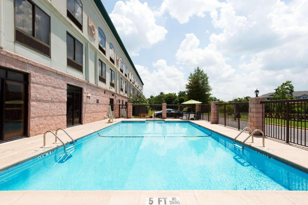 Swimming pool [outdoor] Wingate by Wyndham Montgomery