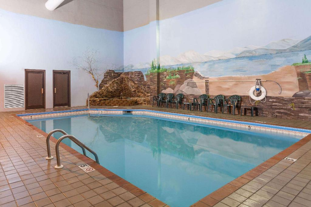 Piscina Baymont by Wyndham Pigeon Forge