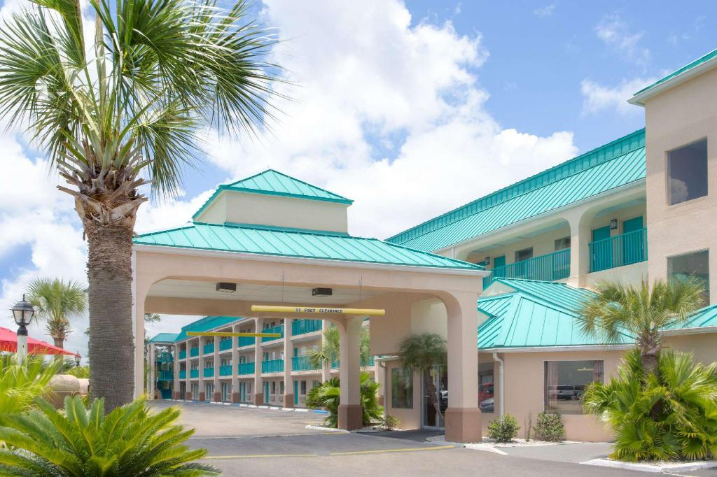 More about Days Inn by Wyndham Gulfport