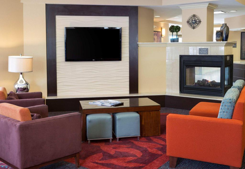 Lobby Residence Inn Fort Collins