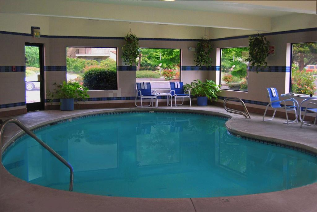 Piscina Oxford Suites Portland - Jantzen Beach