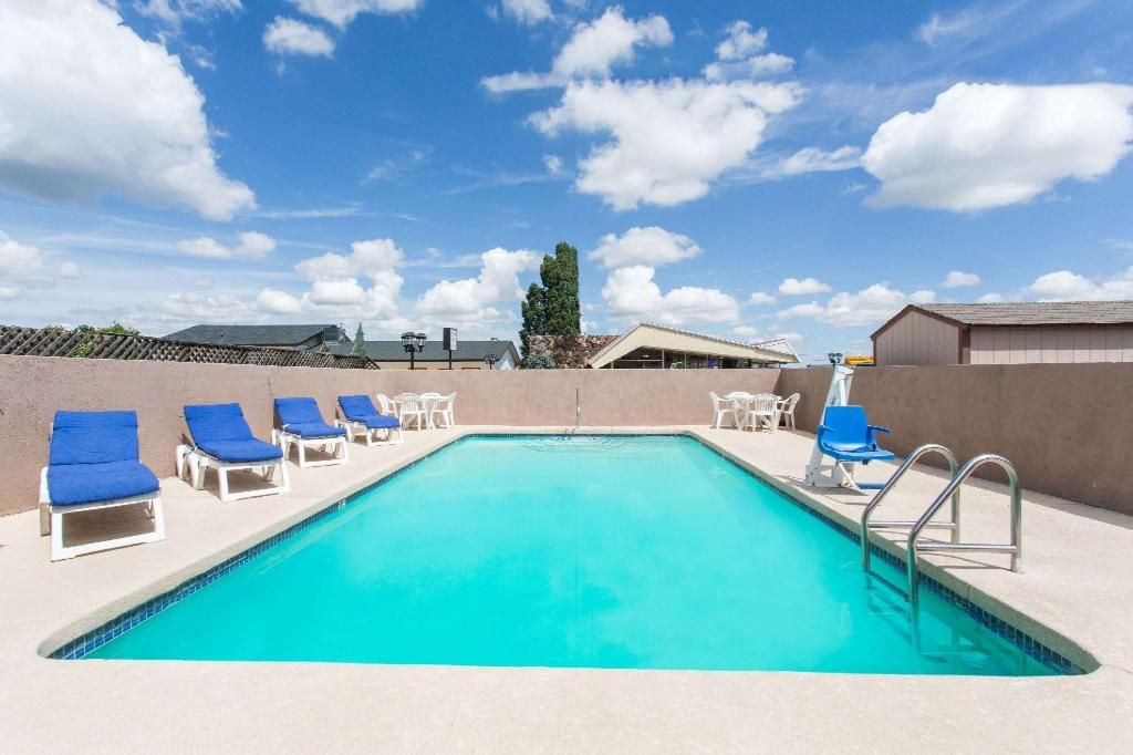 piscina al aire libre Travelodge by Wyndham Williams Grand Canyon