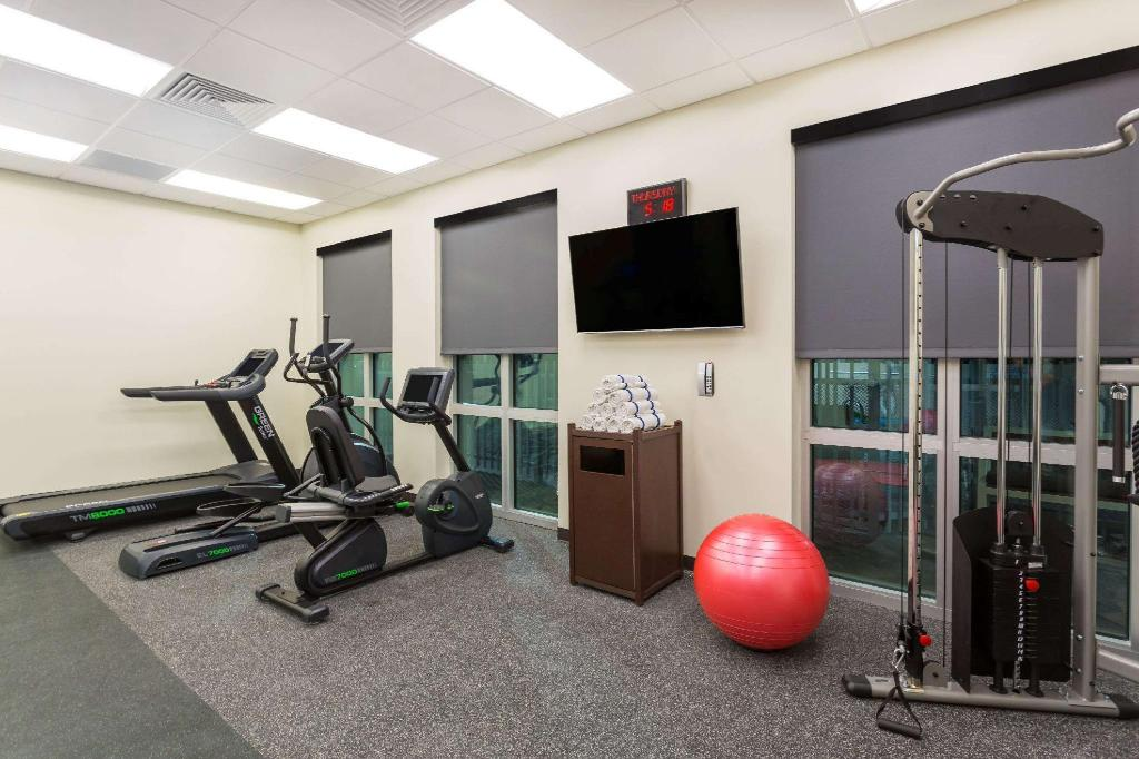 gym Wingate by Wyndham Miami Airport