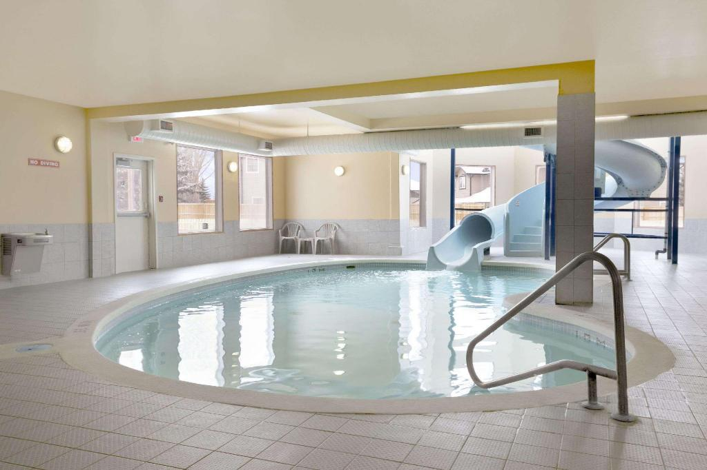 Pool Days Inn by Wyndham Moose Jaw