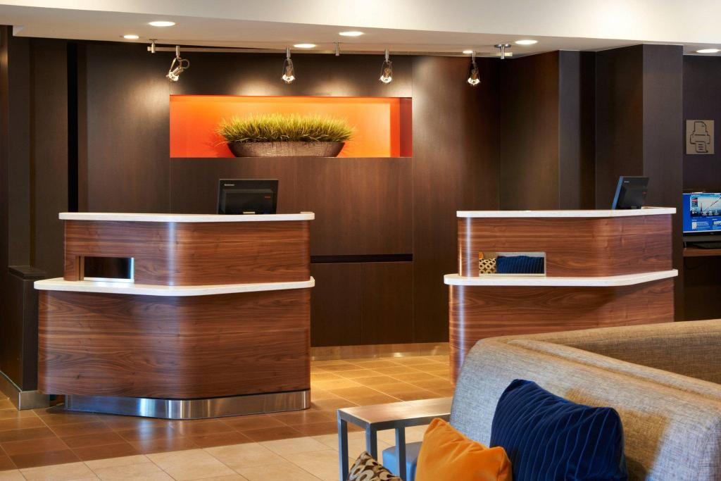 Lobby Courtyard By Marriott Toledo Maumee/Arrowhead