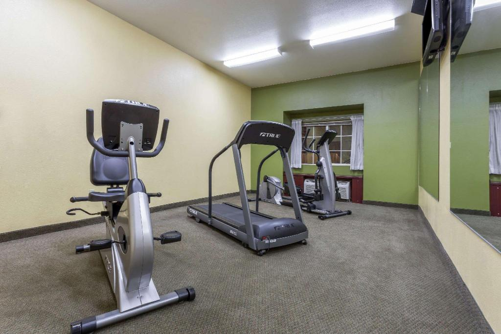 Centro de fitness Microtel Inn & Suites by Wyndham Tracy
