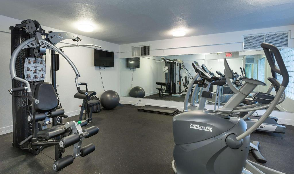 gym Accent Inns Kelowna