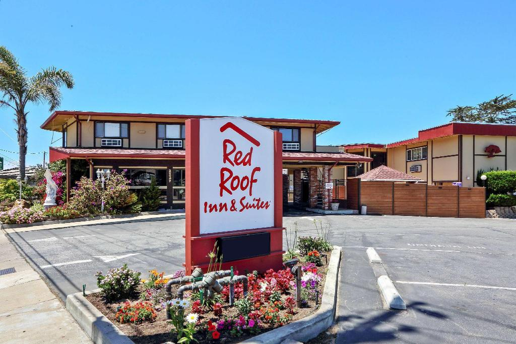 Red Roof Inn & Suites Monterey