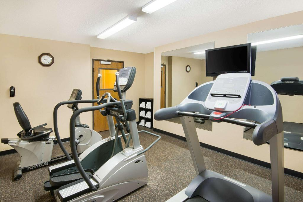 gym Super 8 By Wyndham Fairfield