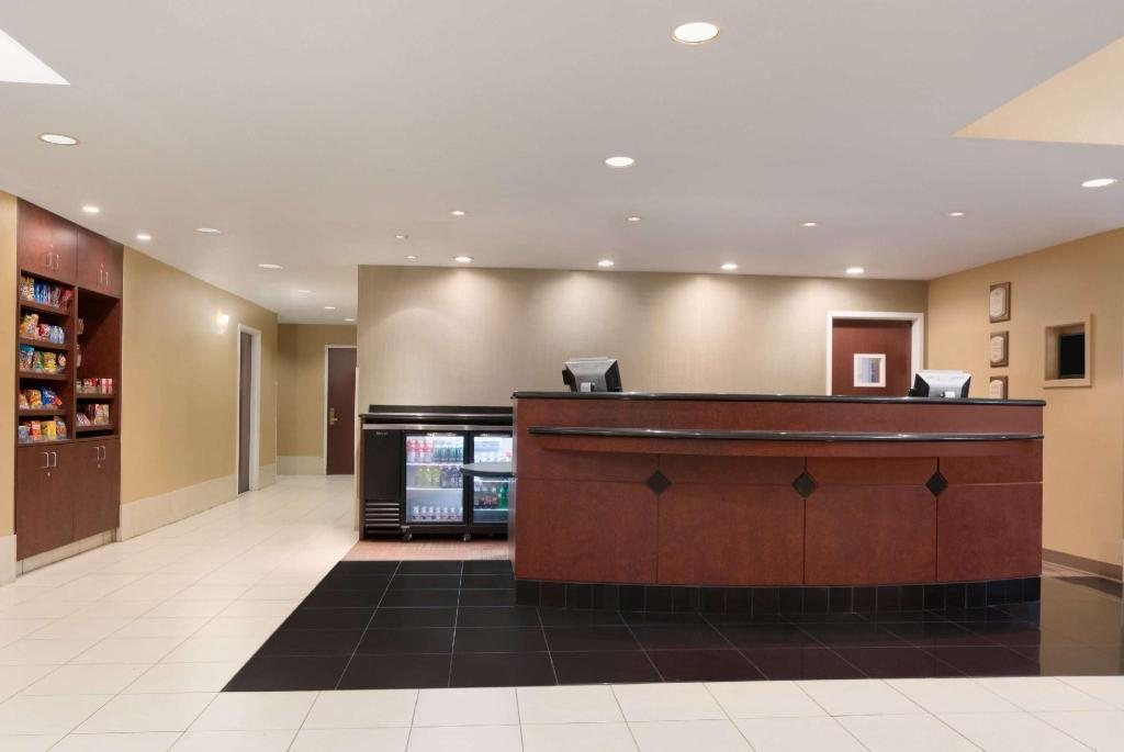 Lobby Hawthorn Suites by Wyndham College Station