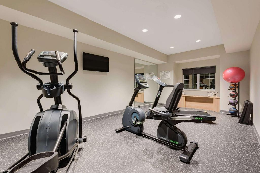 Centro de fitness Microtel Inn & Suites by Wyndham Clarion