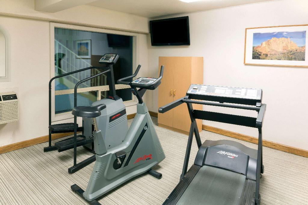 gym Days Inn by Wyndham Bend