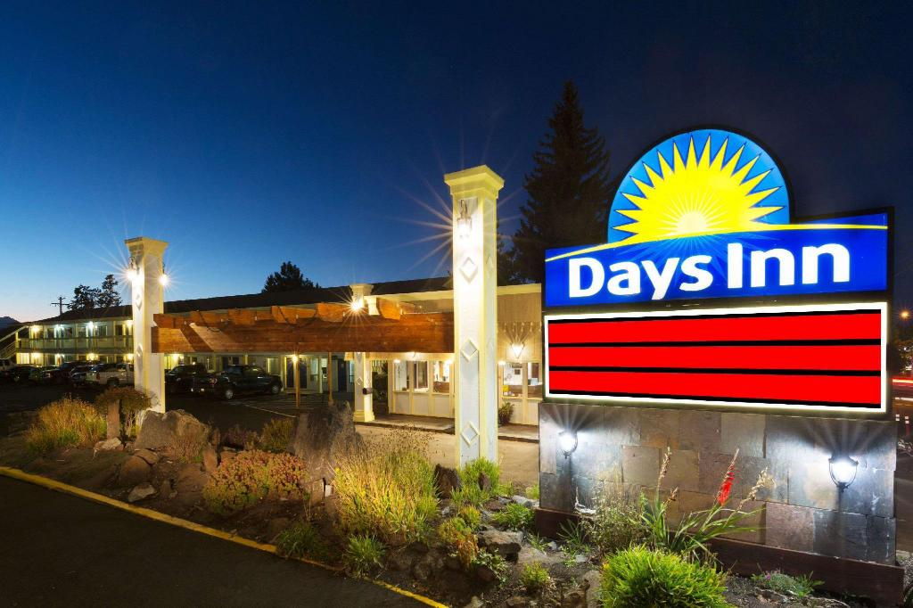 Days Inn by Wyndham Bend