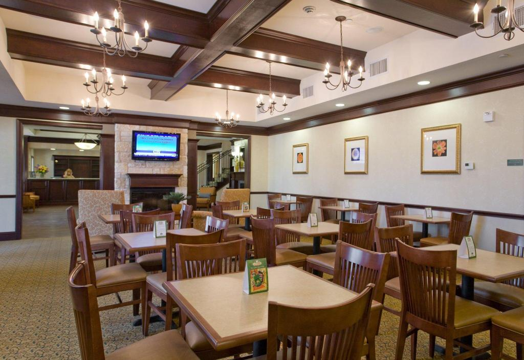 Lobby Country Inn & Suites by Radisson, San Marcos, TX