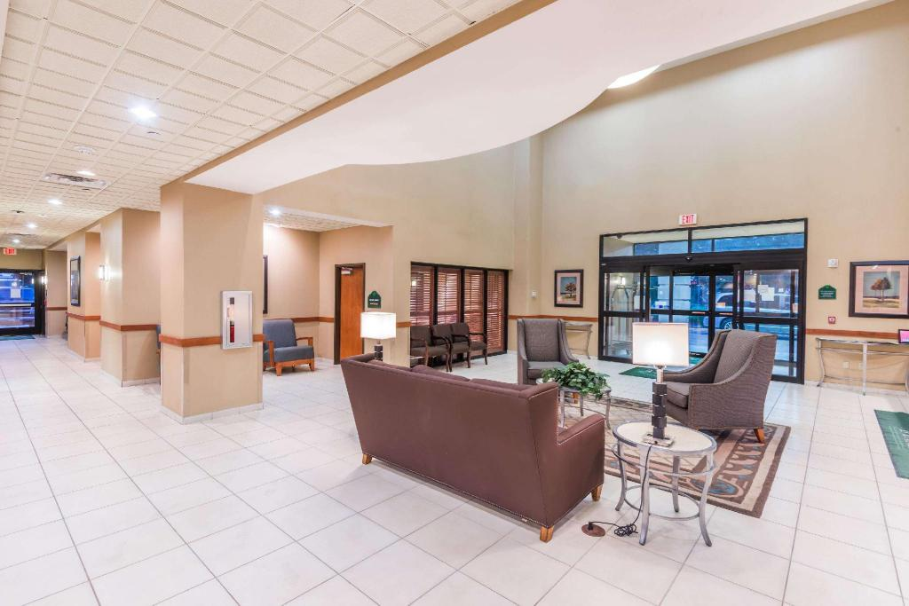 Lobby Wingate by Wyndham New Braunfels