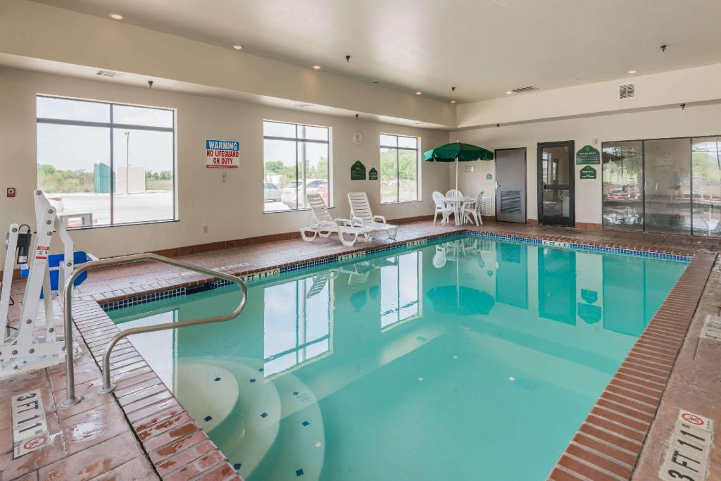 Pool Wingate by Wyndham New Braunfels