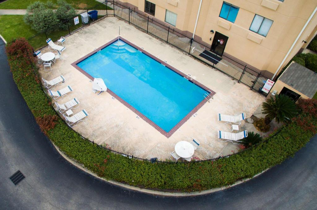 Piscina exterior Red Roof Inn Houston - IAH Airport/ JFK BLVD