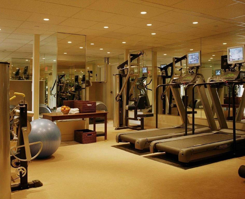 gym Sunset Tower Hotel