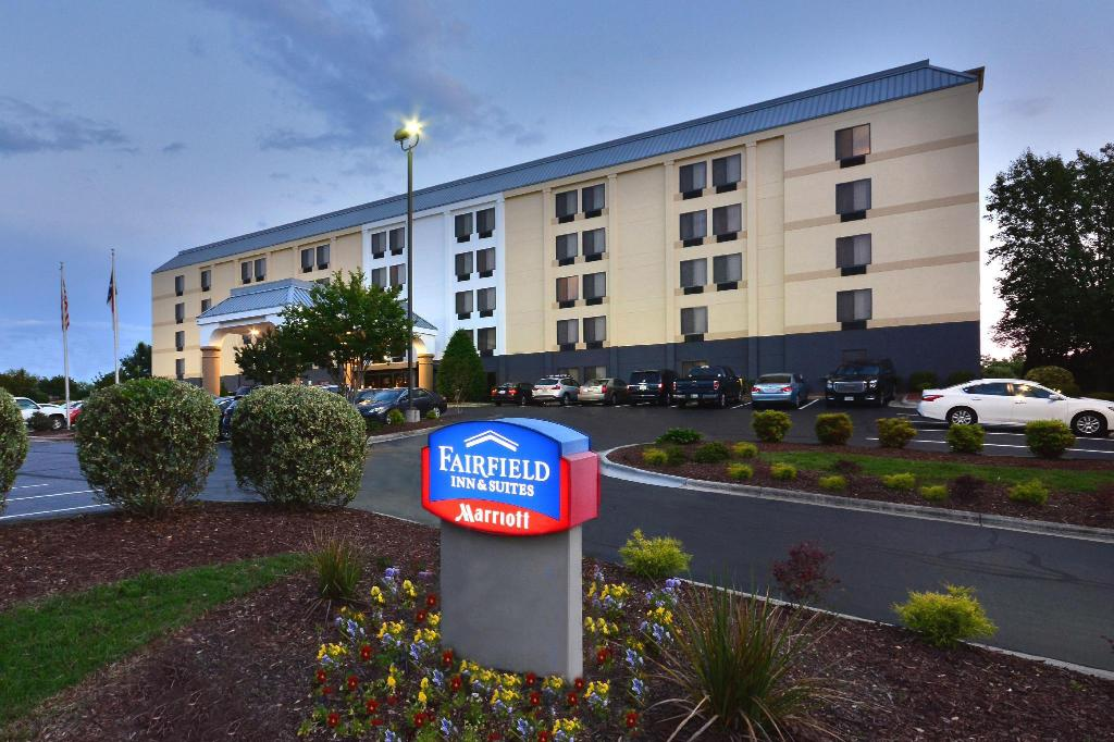 Fairfield Inn Suites Winston Salem Hanes Mall Winston Salem Nc