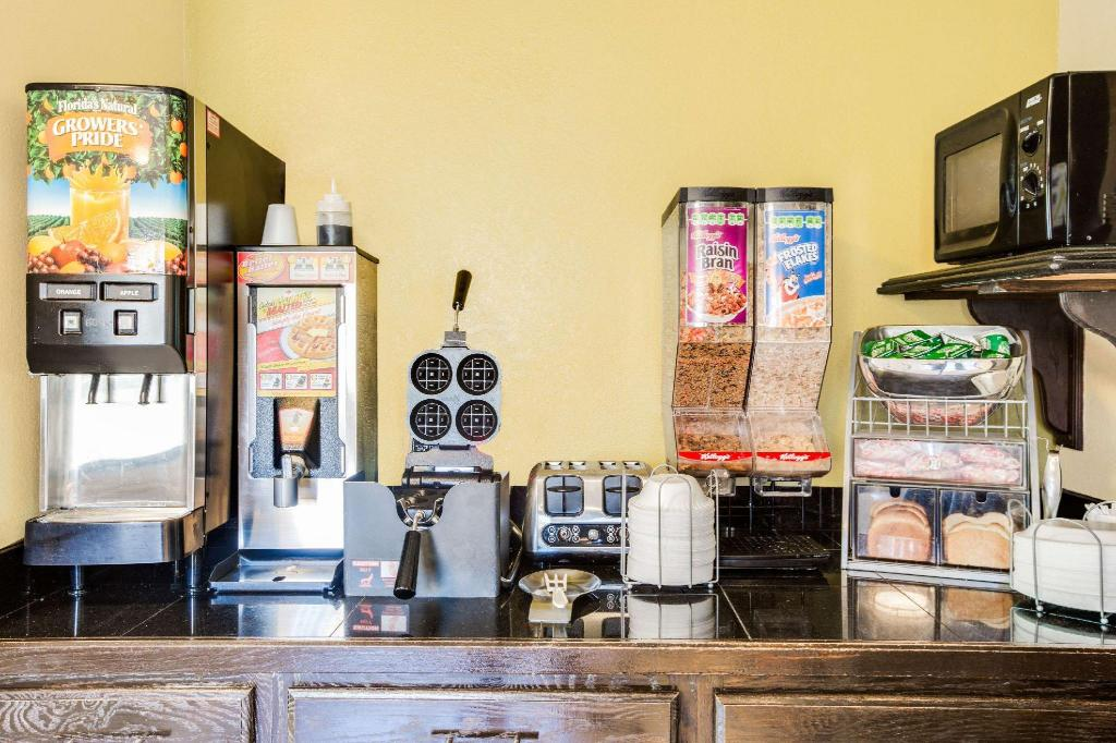 Kafe Super 8 By Wyndham Wilmington