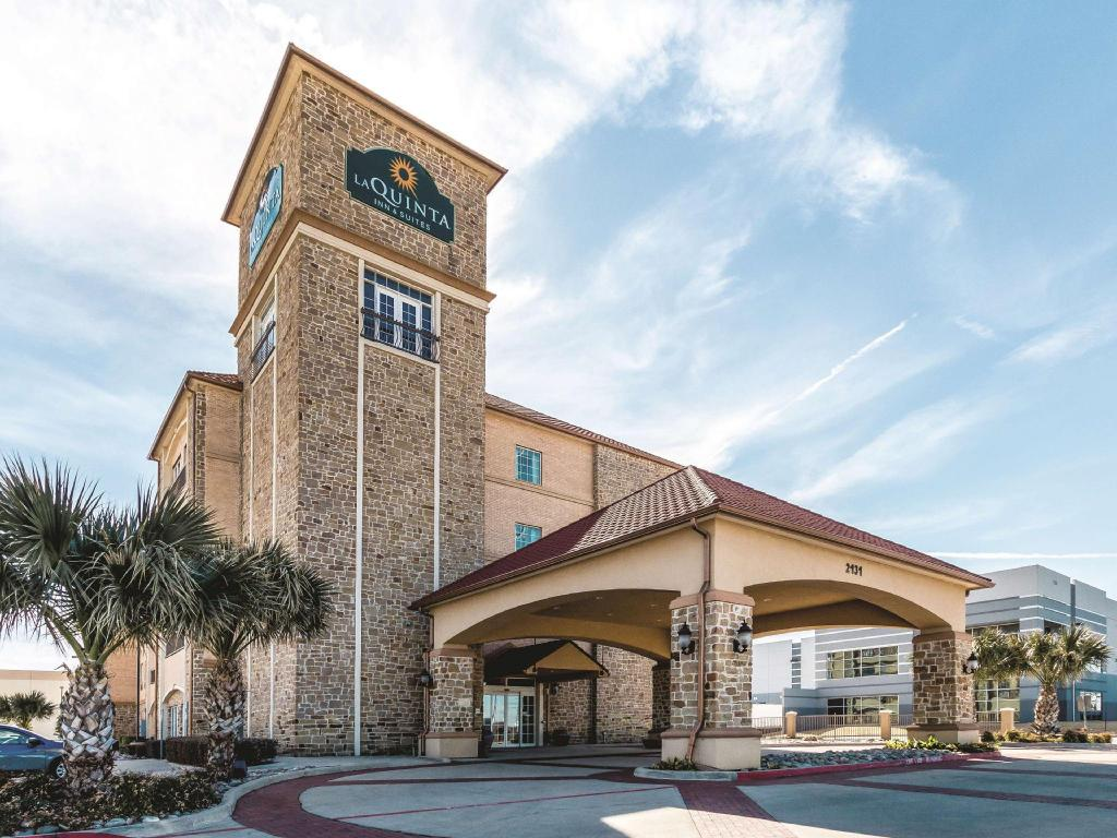 Informasi lengkap La Quinta Inn & Suites Dallas Grand Prairie South