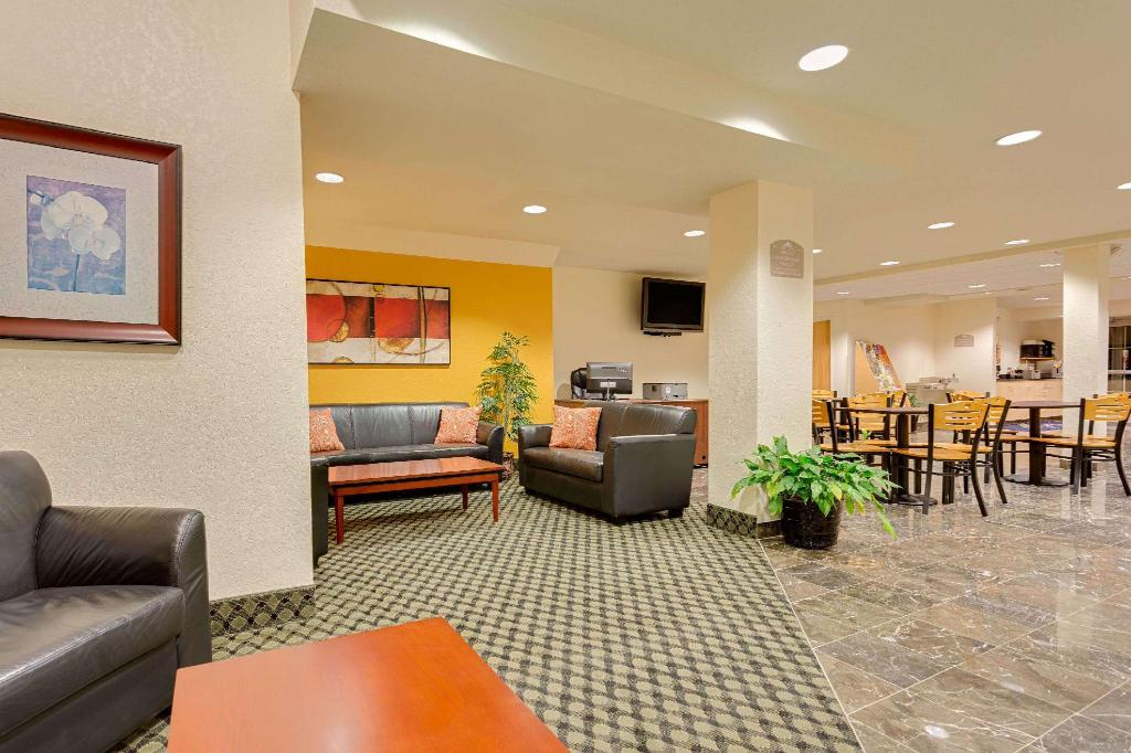 Lobi Microtel Inn & Suites by Wyndham Culpeper