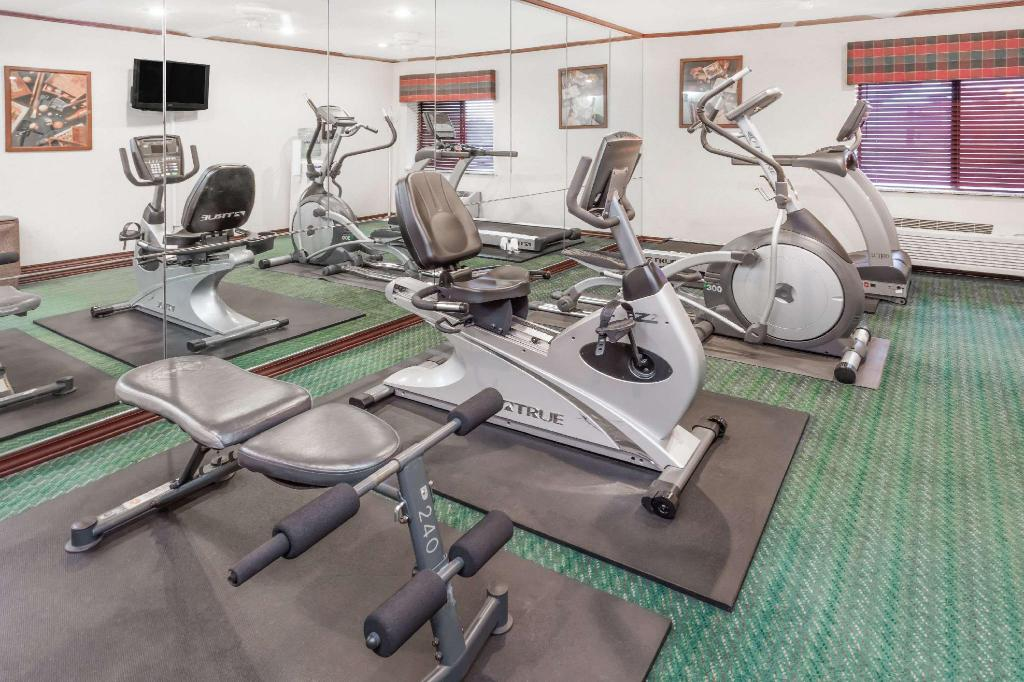 gym Baymont by Wyndham Champaign