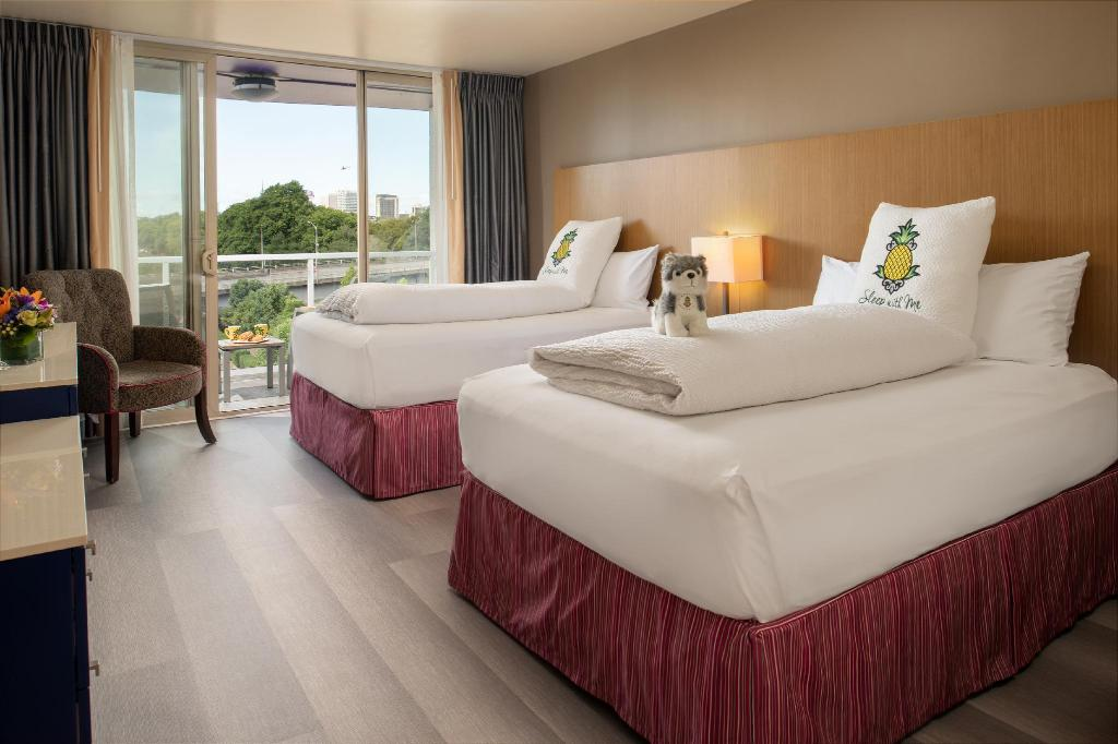 Double Room with Balcony - Guestroom Staypineapple at Hotel Rose