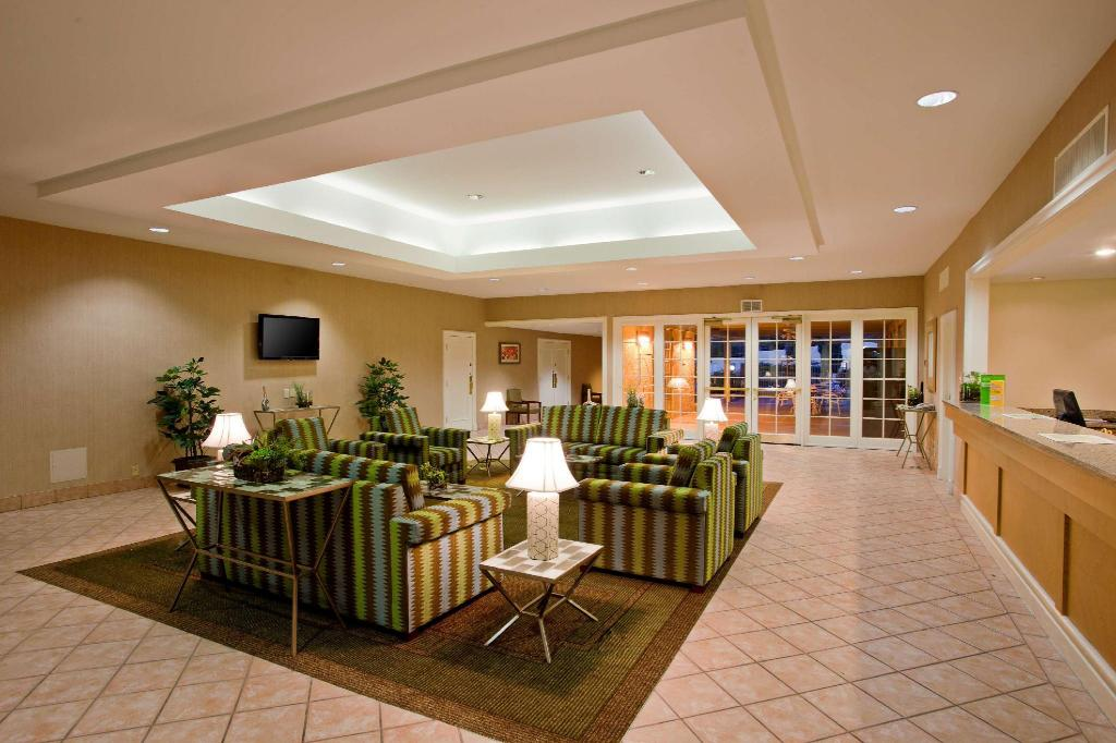 Lobby La Quinta Inn Phoenix North