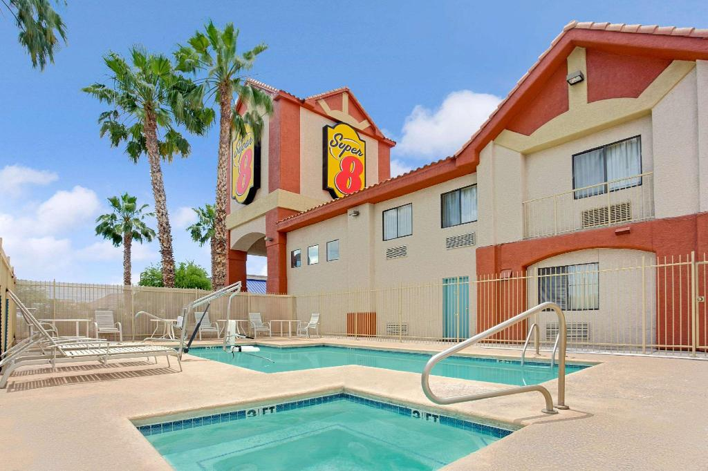 Piscina exterior Super 8 By Wyndham Tucson/Grant Road Area Az