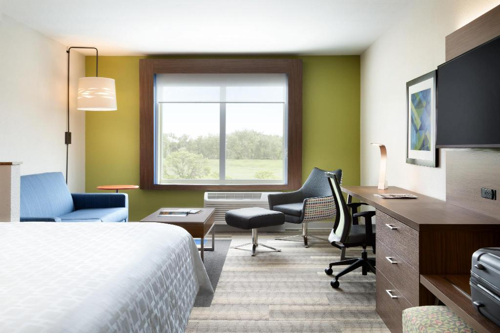 1 King Bed With Sofa Non-Smoking - Room plan Holiday Inn Express Atlanta Airport-College Park