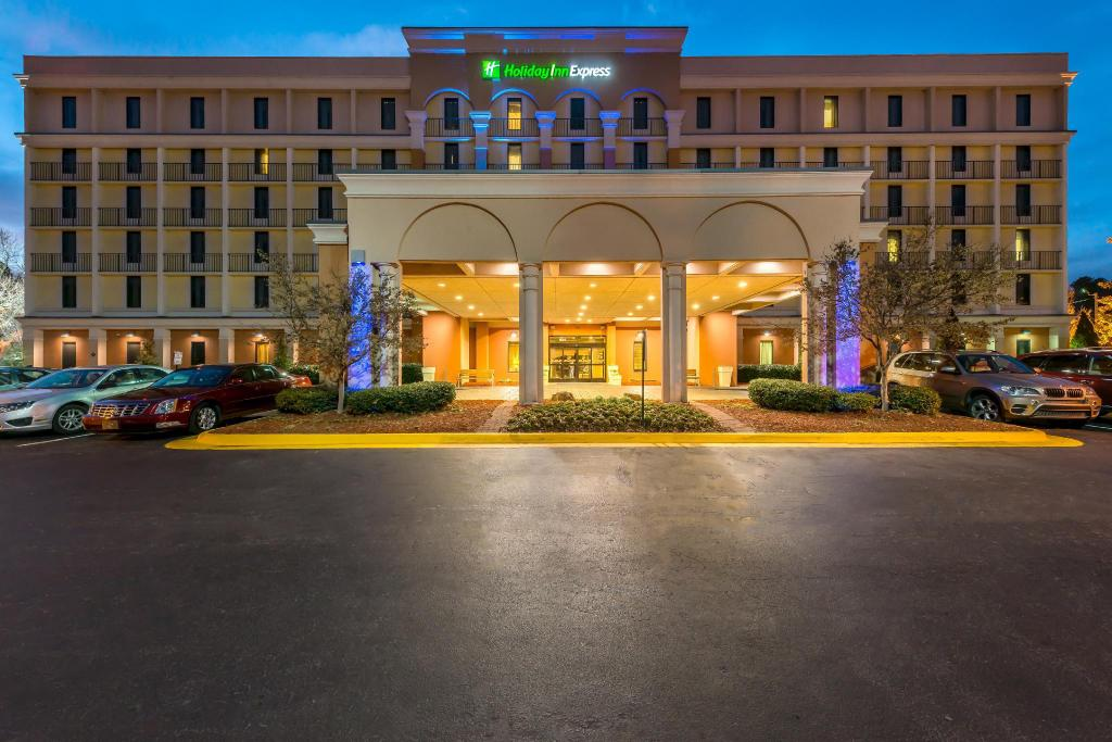 More about Holiday Inn Express Atlanta Airport-College Park