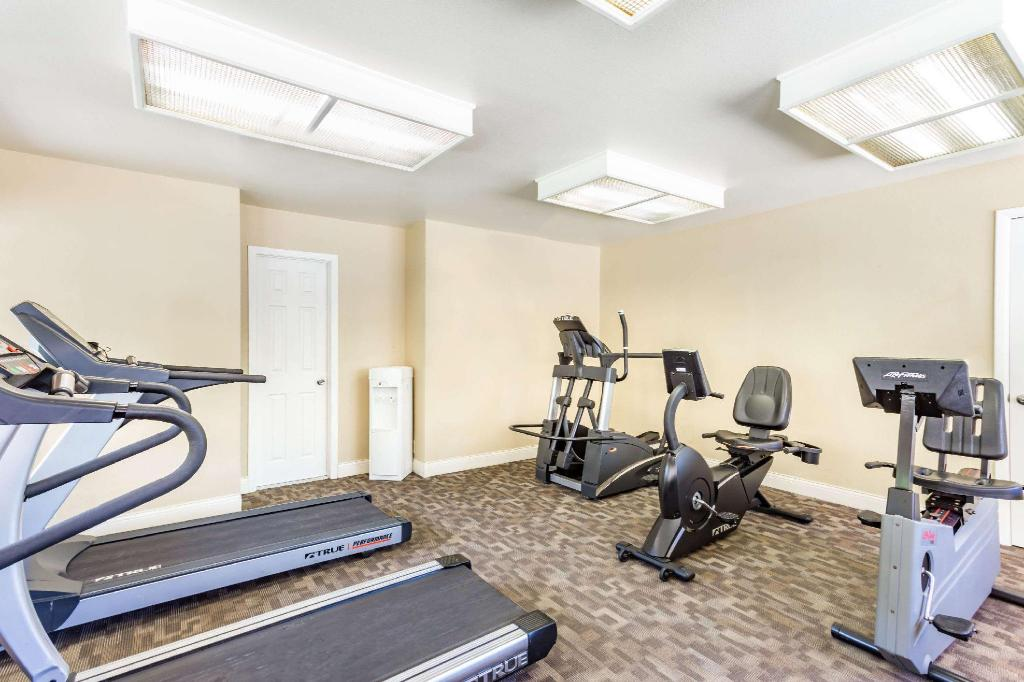 Centro de fitness Days Hotel by Wyndham Mesa Near Phoenix