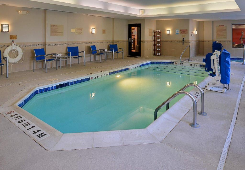 Pool TownePlace Suites Wilmington/Wrightsville Beach